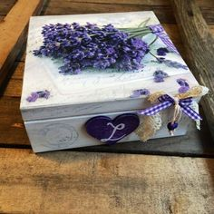 Ideas Jewerly Box Decoupage Woods For 2019 Decoupage Wood, Decoupage Vintage, Decoupage Ideas, Woodworking Box, Pretty Box, Dollar Store Crafts, Wooden Boxes, Diy Design, Personalized Gifts