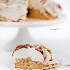 Pavlova cappuccino Pavlova, Cereal, Pie, Breakfast, Food, Torte, Morning Coffee, Cake, Fruit Cakes
