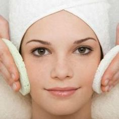 Es muy importante hidratar la piel pero el lucirla bonita es un privilegio que a veces se pueden permitir muy pocos. Si quieres conseguir una piel de estudio de belleza sin gastarte un duro, presta atención a este truco.