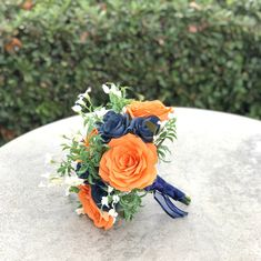 Navy Wedding Centerpieces, White Wedding Bouquets, Wedding Flower Decorations, Wedding Cakes With Flowers, Bridesmaid Bouquet, Blue Flower Names, Navy Flowers, Paper Flowers, Flower Colors