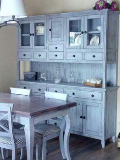 Aparador y mesa pintado en gris y pincel seco wengue