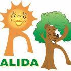 R amarilla-anaranjada: es Doña Responsable, y representa la Energía que nos llega. Es un sol.  R verde-marrón: es Don Respetuoso, y representa al Medio Ambiente. Es un árbol