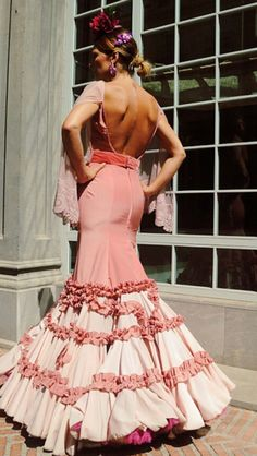 Antonio Gusa - Moda Flamenca Spanish Dance, Spanish Style, Flamenco Dancers, Flamenco Dresses, Special Dresses, Formal Dresses, Spanish Fashion, Gypsy Dresses, Feminine Dress