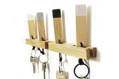 Porte-clefs mural Dehanger - Concept Store - TheTops Entry Stairs, Muuto, Key Rack, Support Mural, Wooden Gifts, Magnetic Knife Strip, Stores, Knife Block, Key Rings
