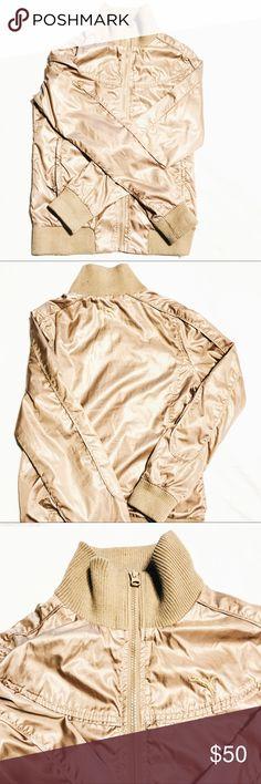 "PUMA Vintage Jacket/Windbreaker Vintage Puma Jacket/Windbreaker (SIZE M) Tag says ""M"" but I am an XS and the jacket still looks fine. **** One pocket zipper is broken **** Puma Jackets & Coats Utility Jackets"