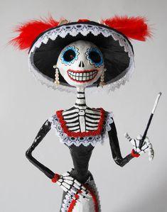 Catrinas, figure, paper mache, skeleton, hand made catrina, mexican art, Day of the Death, Halloween, skull, unique piece de Retrocrix en Etsy                                                                                                                                                                                 Más