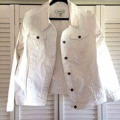 Denim jacket Perfect for spring and summer! It's a white denim jacket. It buttons up the front. Pockets on both sides of the chest. 75% cotton, 24% polyester, and 1% spandex. Very stretchy! It fits me at 18/20. Croft & Barrow Jackets & Coats Jean Jackets