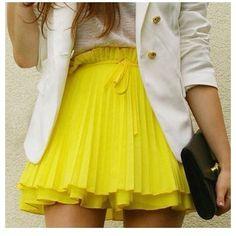 yellow plissè skirt. adorable ^_^