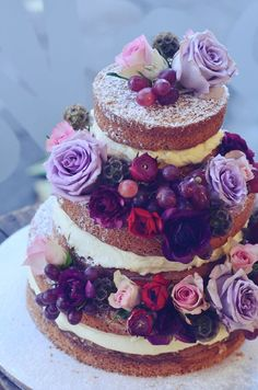 Naked cakes, three simple layers of sponge and butter icing Gorgeous Cakes, Pretty Cakes, Amazing Cakes, Nake Cake, Bolos Naked Cake, Super Torte, Rodjendanske Torte, Butter Icing, Wedding Cake Inspiration