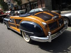 Car Wrapping Chrysler TownCountry 1948 con detalles efecto madera by Pro...