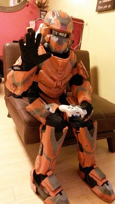 Warrior Armor - Halo 4 Cosplay want so bad! Halo Cosplay, Best Cosplay, Halo Party, Halo Armor, Halo 5, Video Game Cosplay, Weapon Concept Art, Best Fan, Good Job