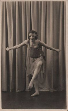 Dancing flapper photo dance pose vintage photo dancer Deco