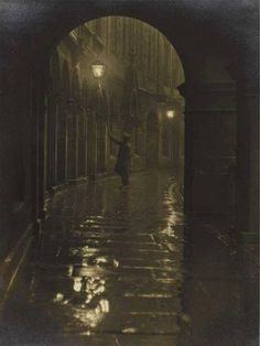 Lamplighter, Victoria Terrace 1928 © Edinburgh Council (Leerie-man with his spark box and glimmer pole) Victorian London, Victorian Era, Vintage London, Old Photos, Vintage Photos, View Photos, Victoria Terrace, Fallen London, Old London