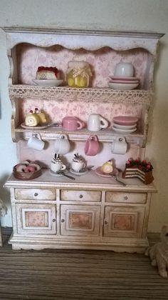 Miniature dollhouse kitchen shelf with accessories - Scaffale da cucina con…