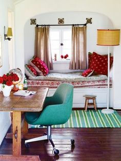 Sleeping Nook / Window Seat source Oh.that little sleeping nook. What a place to snuggle with some pups and. Sleeping Nook, Cozy Nook, Bed Nook, Bedroom Nook, Alcove Bed, Bedroom Decor, Cozy Corner, Cosy Bed, Upstairs Bedroom