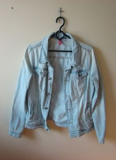 Kup mój przedmiot na #vintedpl http://www.vinted.pl/damska-odziez/marynarki-zakiety-blezery/10431465-jeansowa-kurtka-hm