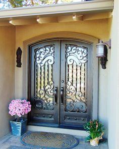 Country front door ideas wrought iron 39 Ideas for 2019 Iron Doors, House Doors, Entrance Doors, Double Door Entryway, Beautiful Doors, Door Entryway, House Front Design, Front Door Design