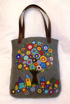 """""""Девушка N"""". Мастерская войлока. Jute Tote Bags, Tote Bags Handmade, Quilted Purse Patterns, Owl Bags, Diy Bags Purses, Embroidered Bag, Craft Bags, Linen Bag, Denim Bag"""