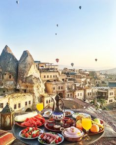 hiking pictures couple and hiking pictures Breakfast in CAPPADOCIA ~~ Sultan Cave Suites ,Cappadocia,Turkey // P. Places Around The World, Oh The Places You'll Go, Places To Travel, Travel Destinations, Antalya, Hotel Istanbul, Cappadocia Turkey, Travel Tags, Travel Reviews