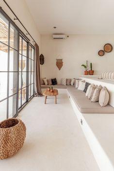 Home Design Decor, Dream Home Design, House Design, Bedside Pendant Lights, Cabinet Medical, Sunken Living Room, Tropical Bedrooms, Arched Doors, Huge Windows