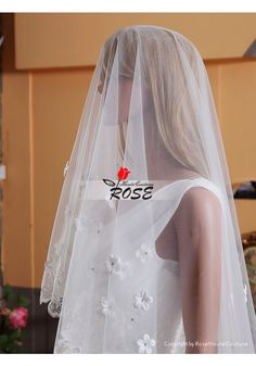 Wedding Veil One Layer Tulle Bridal Veil Lace Edge No Comb Scattered Flowers Style BV172 - Wedding Veil