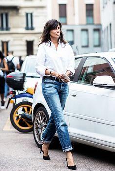 White button down + jeans + black heels