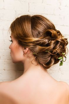 Amazing Wedding Hairstyle Collections. Still Seeking For The Ideal Hairdo For Your Celebration? Get Excited By These Superb Styles Which Will Leave Any Bridesmaid Tressed To Impress !
