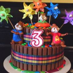 Kit Kat Cake with alvin and the chip munks.