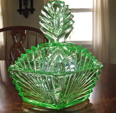 Rare Green Deco Depression Glass large Powder Box or Puff Jar 1930's