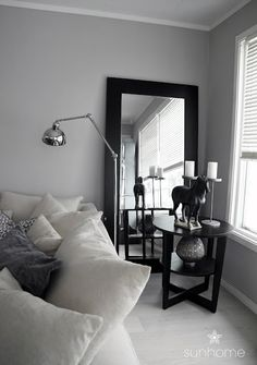 Our living room. Contrasts. Black, white, grey. http://anettewillemine.blogspot.com
