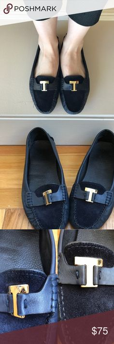 Tory Burch Casey Driving Moccasin Awesomely comfy shoes that never go out of style. In fairly good used condition with signs of wear shown in pics. Size 8. Any questions? Just ask!  ❎No trades  Shop with confidence! To assure you receive your item as described, I'll record in detail the packaging and shipping of this Tory Burch Shoes Moccasins