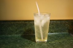 recipe for cream soda. without any high fructose corn syrup or stabilizers! just real soda syrup that you add to seltzer