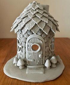 Fairy Houses for the Garden . Fairy Houses for the Garden . Another Fairy House Clay Fairy House, Fairy Garden Houses, Fairy Gardens, Fairies Garden, Mini Gardens, Gnome House, Polymer Clay Crafts, Diy Clay, Polymer Clay Fairy
