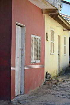 Antiga arquitetura resiste no farol Foto: Ronaldo Cooper