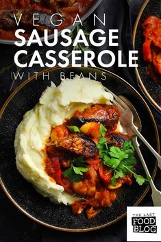 A rich and satisfying vegan sausage casserole. This casserole is a perfect Winter warmer, great for a filling and tasty weeknight dinner. Paleo Vegan, Delicious Vegan Recipes, Healthy Recipes, Vegan Foods, Vegan Life, Vegan Casserole, Sausage Casserole, Casserole Recipes, Veggie Recipes