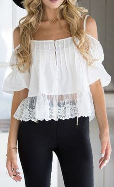 Trendy Tops Every Stylish Girl Needs Casual Dresses, Casual Outfits, Cute Outfits, Boho Fashion, Fashion Outfits, Lace Sleeves, Passion For Fashion, Beautiful Outfits, Couture