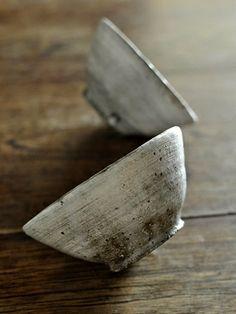 刷毛目飯碗 大 残1  - 器と暮らしの道具 OLIOLI