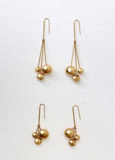 Dot Triple Earrings in Gold Brass and Ivory Gold Pearls - セリーヌについて