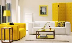 Small Modern Living Room Decorating Design Ideas with Bright Yellow Themes Decoration Small Living Room Decorating Ideas in Modern Apartment.