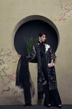 94435078cc Sana Safinaz Luxury 2017 Collection EID17-04B with model Amna Babar  Pakistani Suits, Chiffon