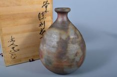We have collected the all kind of Japanese antiques. The item has a signed box. Also to get proper amount of compensation in case of item breakage. Flower Vases, Flowers, Japanese, Signs, Antiques, Box, Antiquities, Antique, Snare Drum