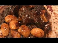 ♡ Today, I'm making Jamaican-style braised oxtails with butter beans.😋 This has been one of my FAVORITE meals since I was a little girl! Oxtail Recipes Crockpot, Beef Recipes, Cooking Recipes, Jamaican Dishes, Jamaican Recipes, Carnitas, Jamaican Oxtail Stew, Cooking Oxtails, Jamacian Food