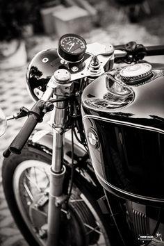 Ducati / The Bike Shed / Paris / 500px #bmw #caferacer   caferacerpasion.com