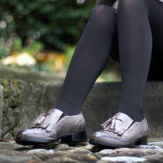 Unser hübsche Schlupfschuh in grau! 😍 Gibt's auch noch in natur. (Art. CAL226   CHF 279) Tap Shoes, Dance Shoes, Fashion, Fall 2016, Grey, Nature, Dancing Shoes, Moda, Fashion Styles
