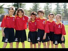Gabi hizo del padrino para la presentación del Campus de Verano de la Fundación del Atlético de Madrid en 2012 (08/06/2012).