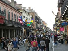 A stroll through the French Quarter in New Orleans, LA is a great way to start a Louisiana staycation. #NeighborhoodIQ #NewOrleans #Gumbo