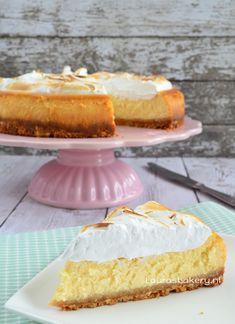 Lemon meringue cheesecake- need to translate to English Quiche, Baking Recipes, Dessert Recipes, Lemon Desserts, Lemon Meringue Cheesecake, Lemon Muffins, Pie Cake, Sweet Cakes, Savoury Cake