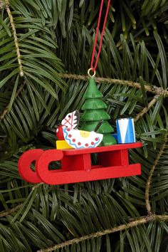 Tree ornament Sleigh with Toys - 5,2 x 4,6cm / 2.0 x 1.8inch