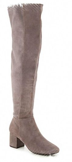 over knee boots for the woman of today.Get this now black over the knee boots or even over the knee flat boots. Click website above for more options - Latest trend in over the knee boots Women's Over The Knee Boots, Knee High Boots, Womens Thigh High Boots, Black High Boots, Fringe Boots, Flat Boots, Sexy Boots, Thigh Highs, Heeled Boots