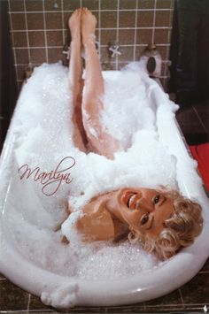 Marilyn Monroe Posters at AllPosters.com